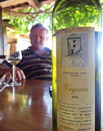 radan vugava vis croatian wine