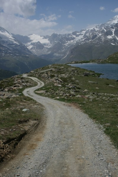 Road down Rothorn