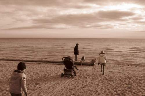 Family at the beach, Ajax, Ontario