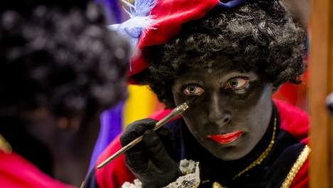 An interview with Zwarte Piet (Photo: de Volkskrant)