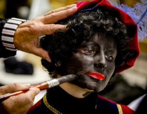 'Zwarte Piet will disappear from the NLs' (Photo: Geen Stijl)