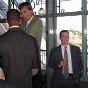 stood-next-to-dutch (photo: heightdb.com)