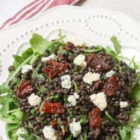 Lentils with tomatoes and gorgonzola cheese