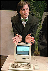 Steve Jobs with the Macintosh 128k