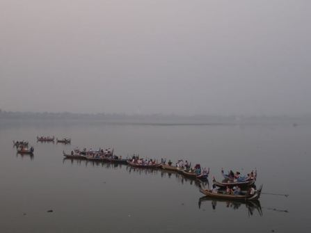 Touristen-Boote