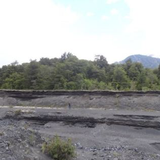 wandern in erstarrter Lava