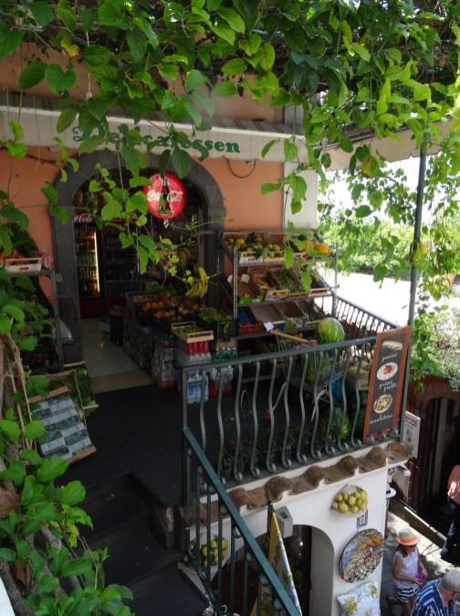 Lebensmittelladen in Position