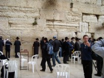 Männer im Gebet