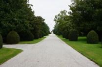 Stattliche Einfahrt zu Moulon Rothschildt