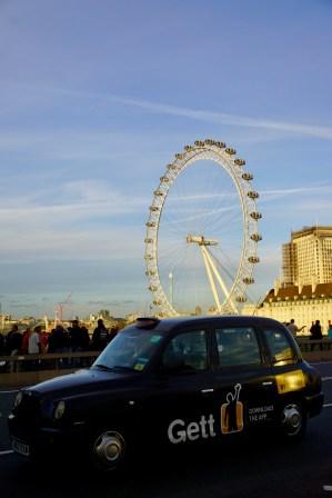 London Eye und Londoner Taxi