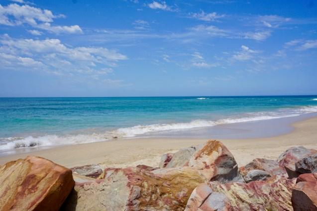 Wellen und Strand in Südafrika