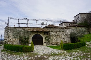 Wohnhaus in mitten der Burgmauern