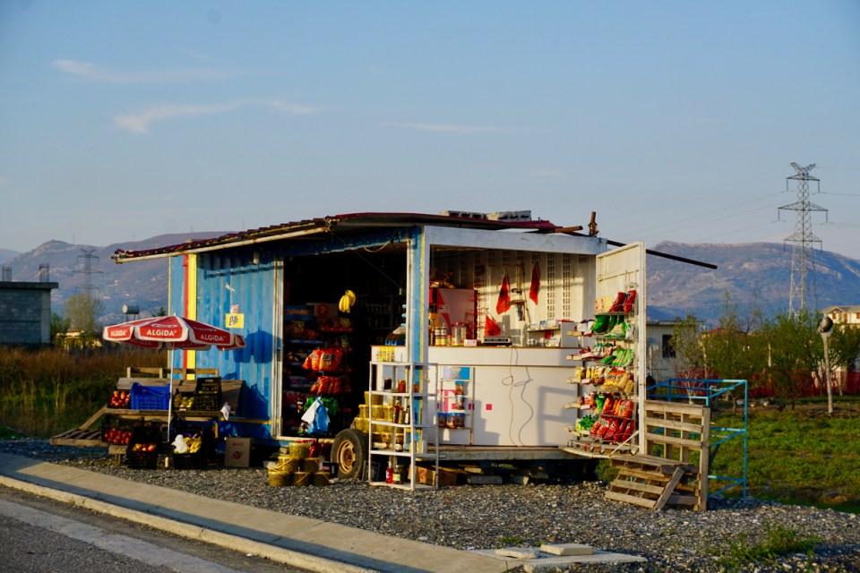 Kiosk zwischen Shkodra und Tirana