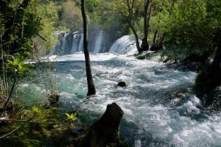 Wassermassen in Kravica