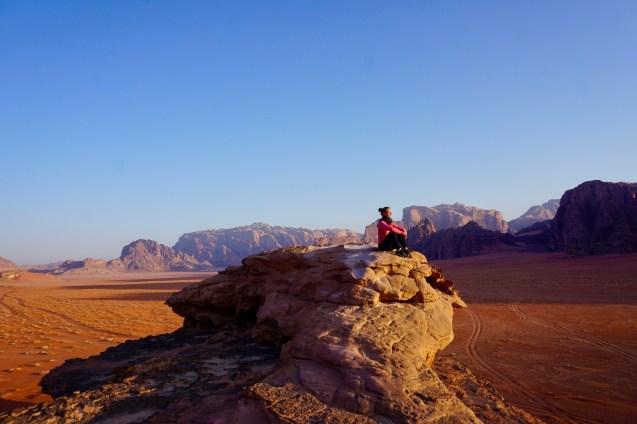 Ruhiger Sonnenaufgang im Wadi Rum