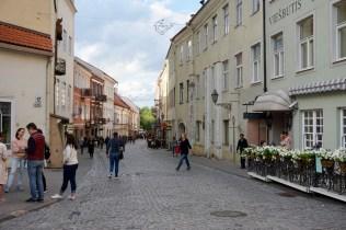 Einkaufsbummel in Fußgängerzone