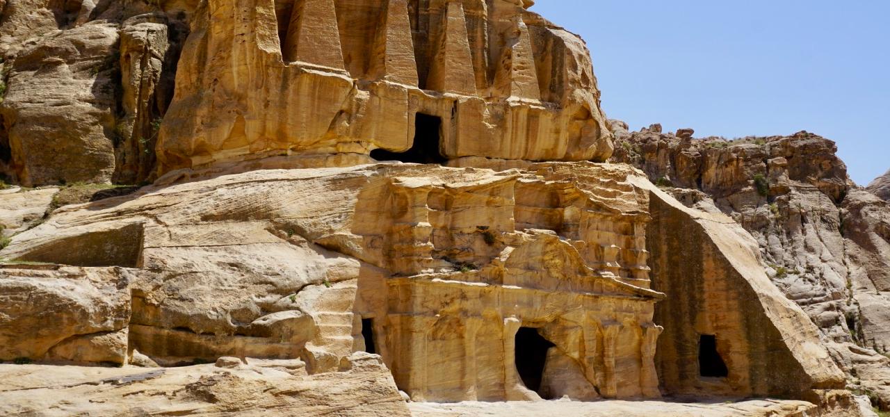 Steinbehausungen in Jordanien