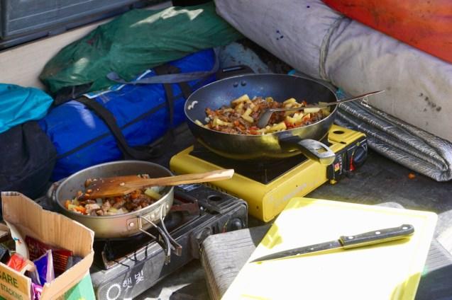 Kochstelle beim Campen