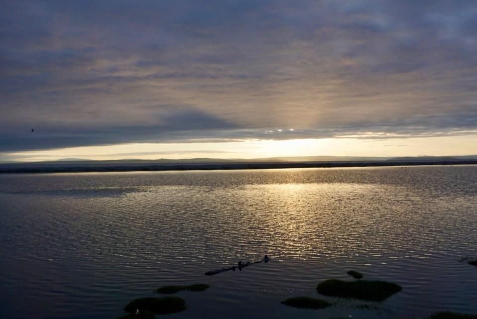 Sonnenaufgang am Chöwsgöl Nuur