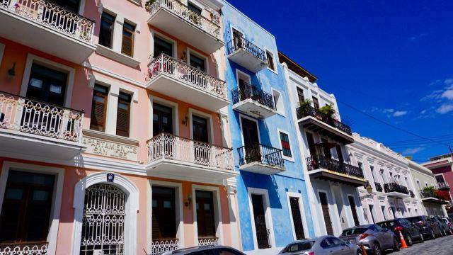 Bunte Häuser in der Karibik