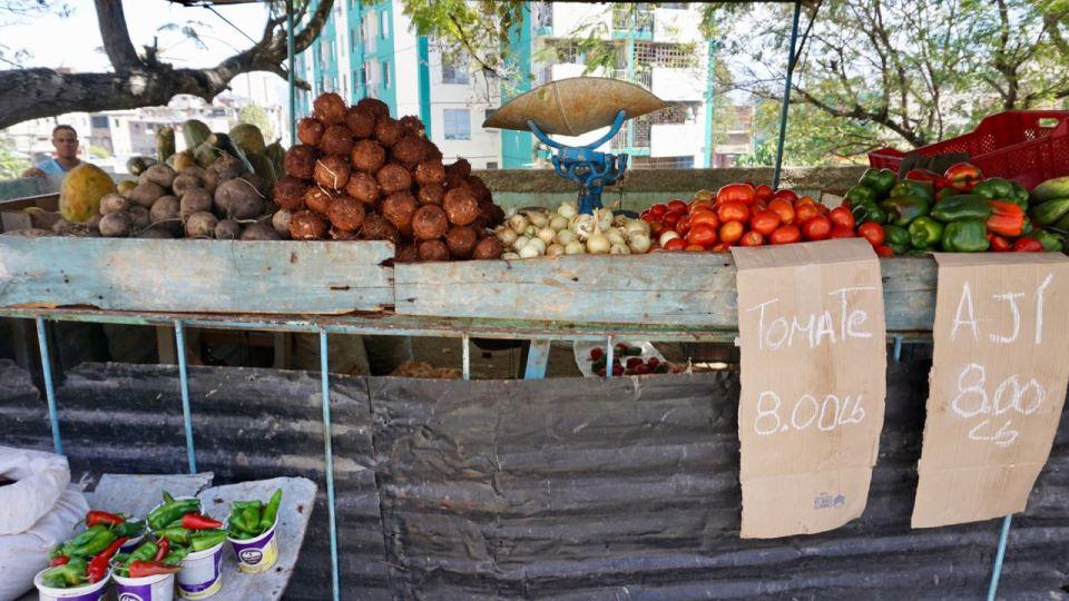 Gemüseverkauf an der Straße
