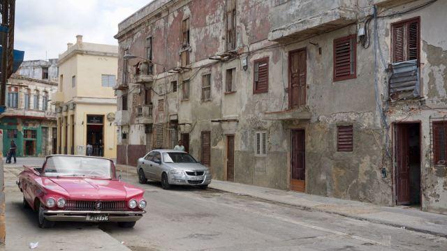 Straße mit alten Häusern