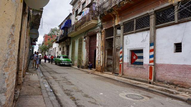 Wohnstraße auf Kuba