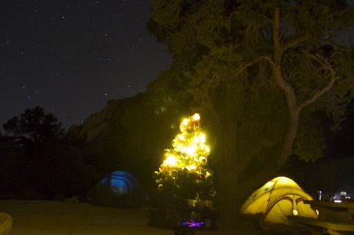 10-2014_12_20_usa_ca_joshuatree_christmas_in_a_tent.JPG