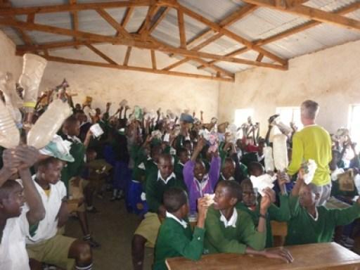 2011-07_tanzania_loiborsoit_recycling-workshop.JPG