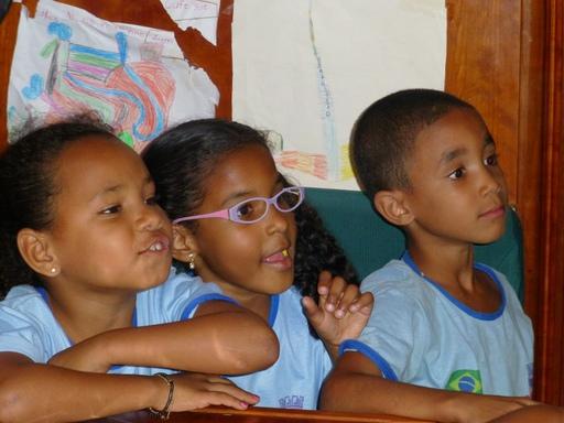 2012-09-18_brazil_itaparica_kids-on-pachamama-1.JPG