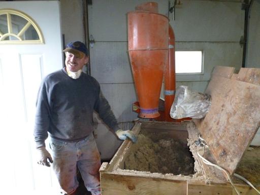 2013-09-24_usa-alaska-cordova_chris-recycling-solution.JPG