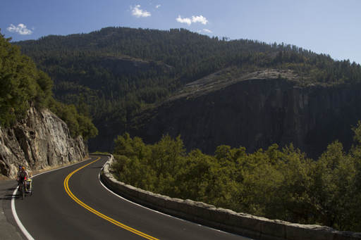 2014-10-25_usa_yosemite-cycling-out-of-yosemite.jpg