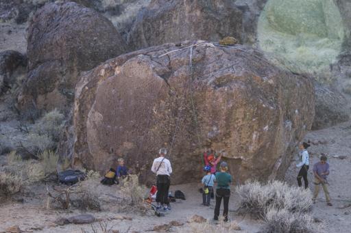 2014-11-04_usa-bishop_climbing.jpg