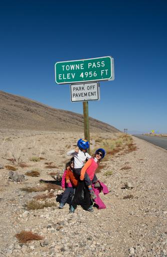 2014-11-14_usa-california_death-valley-towne-pass.jpg