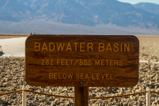 2014-11-17_usa-california_death-valley-badwater-basin-sign.jpg