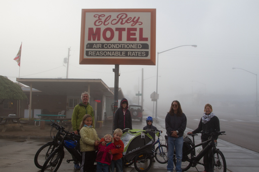 2014-12-04_usa-nevada_leaving-el-ray-motel.jpg