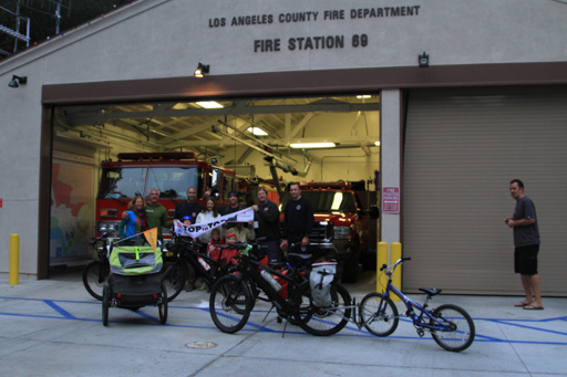2015-01-26_usa-los-angeles_group-photo-at-fire-station.jpg