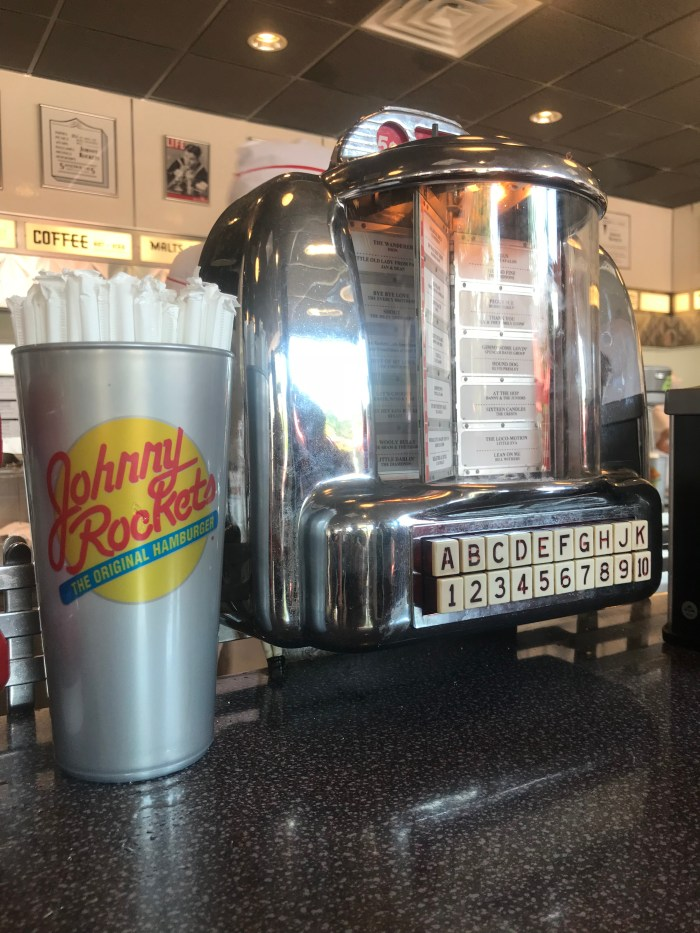 Johnny Rockets Juke Box Set up