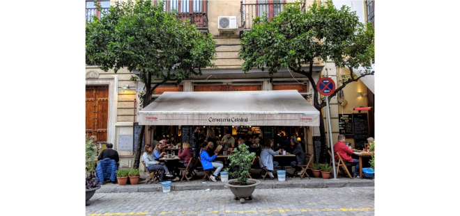 Restaurant in Spain and introverts and people sitting down