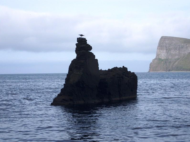Nadbrzeżne skały.