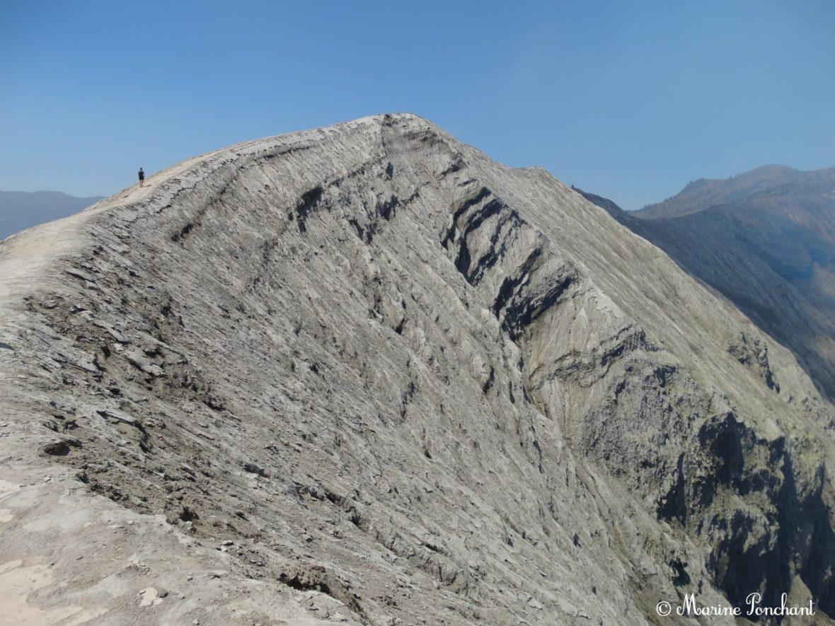 Flan gauche du cratère