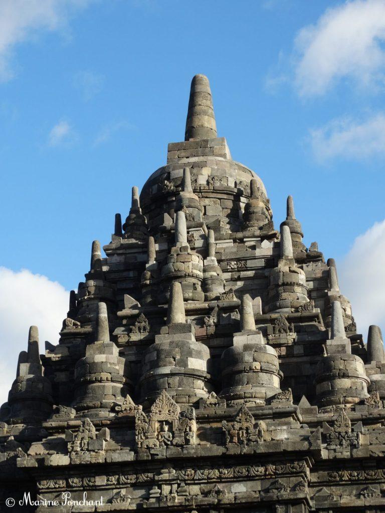 Hauteur d'une des colonnes des temples