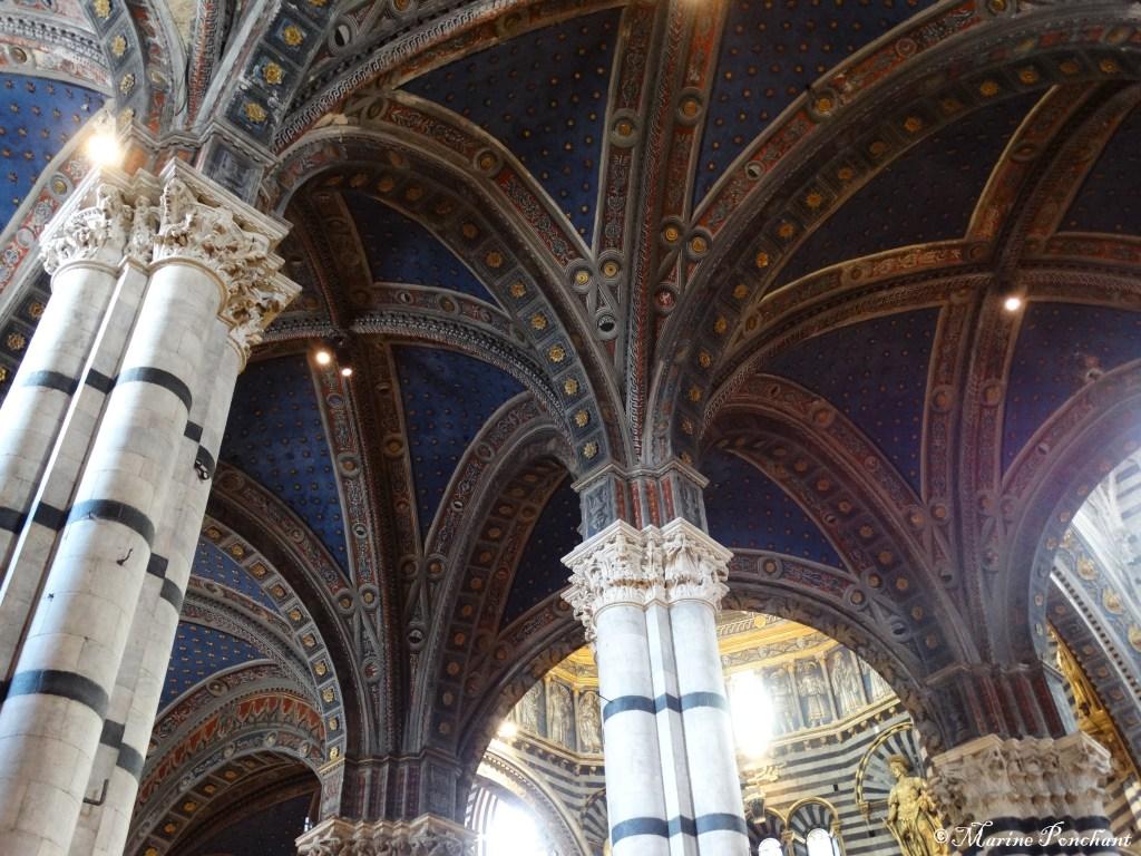 Plafond bleutée de la cathédrale de Sienne