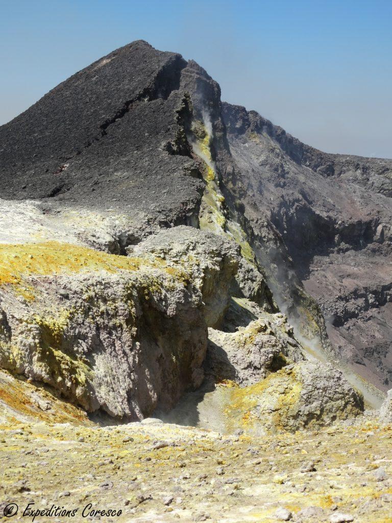 Flan soufré du cratère de l'Etna