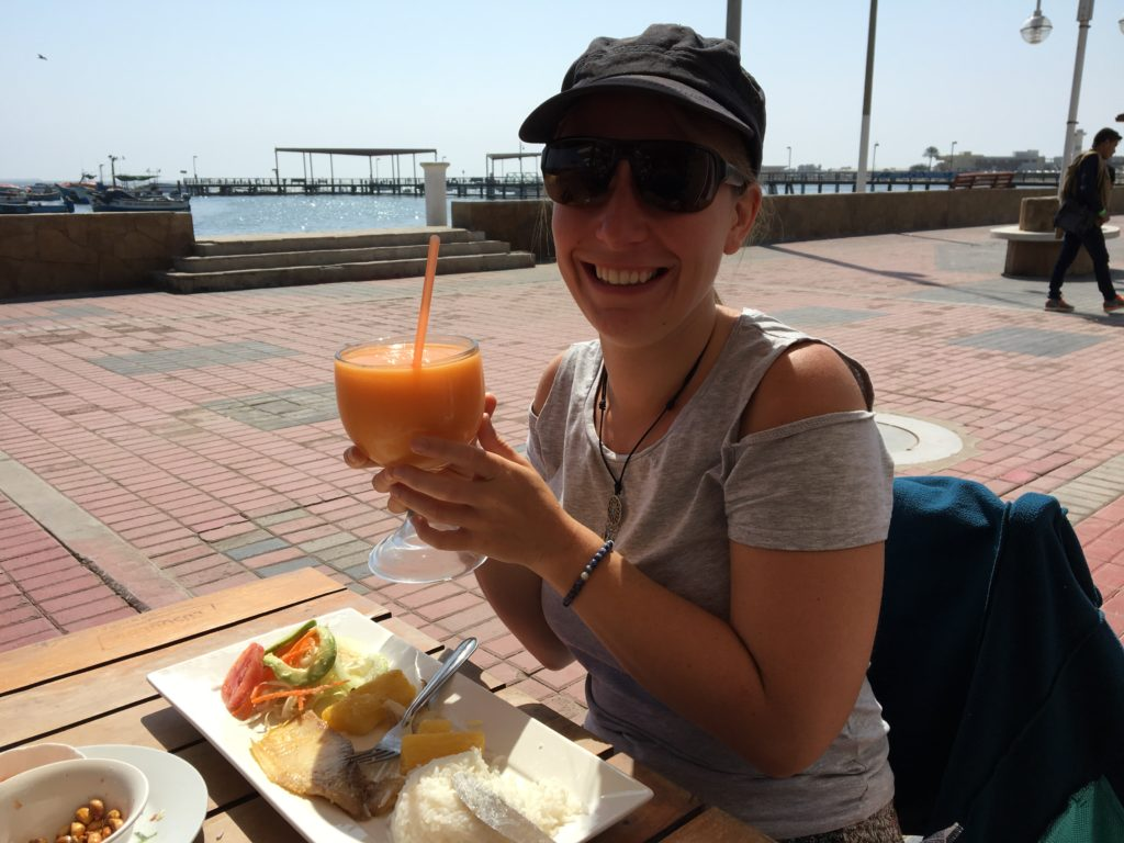 Trucha frita con jugo de Papaya