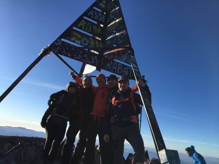 Photo de groupe en haut du Toubkal