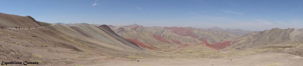 Panoramique Pérou vallée rouge