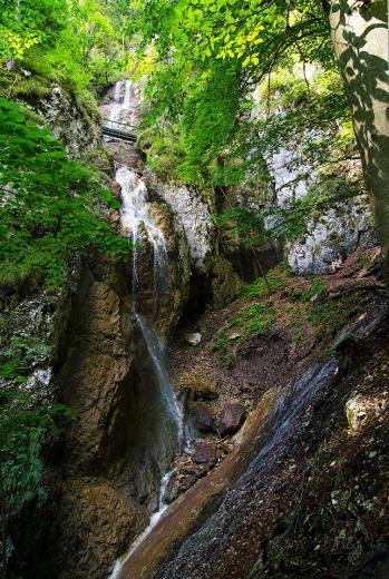 Závoj waterfall - © Andrej Pižem