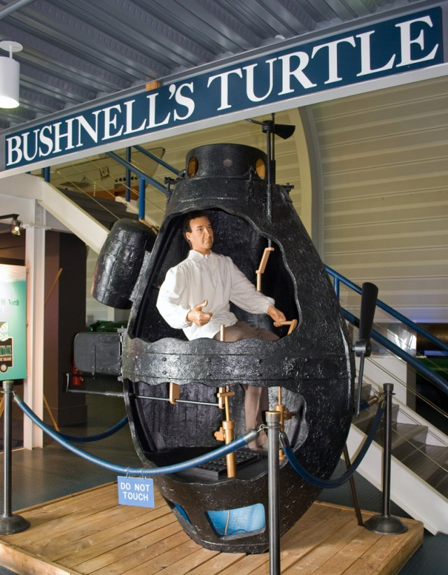 Bushnell_Turtle_model_US_Navy_Submarine_Museum