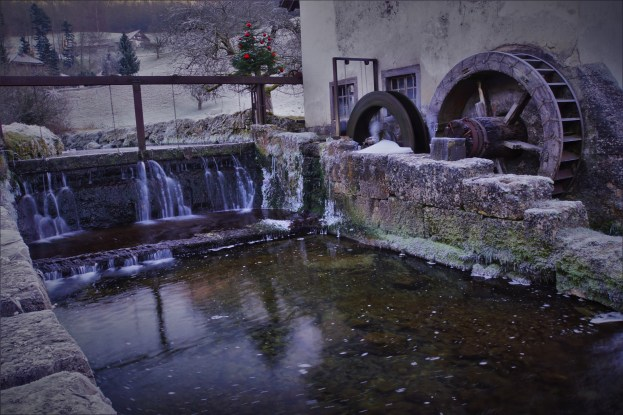 The water wheel found on the way to the Jura mountains to - exploring the headwaters